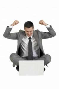 zakenman blij met site
